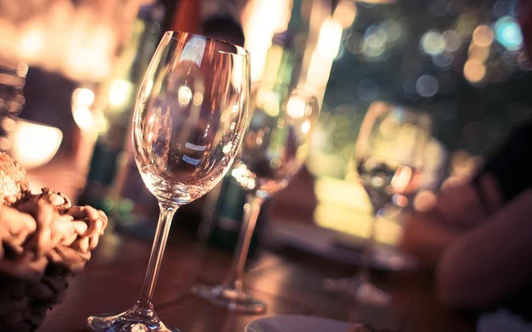 Cum alegem paharele de vin potrivite? Ghid util pentru a savura vinul la adevarata lui valoare