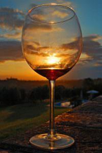pahar vin rosu 1